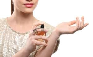 Parfüm richtig auftragen und diese Fehler vermeiden